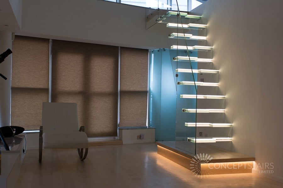 Bespoke Floating Glass Staircases | Cantilevered Glass Staircase