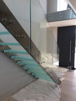 15 Rise Glass Tread Staircase Itchenor Concept Stairs